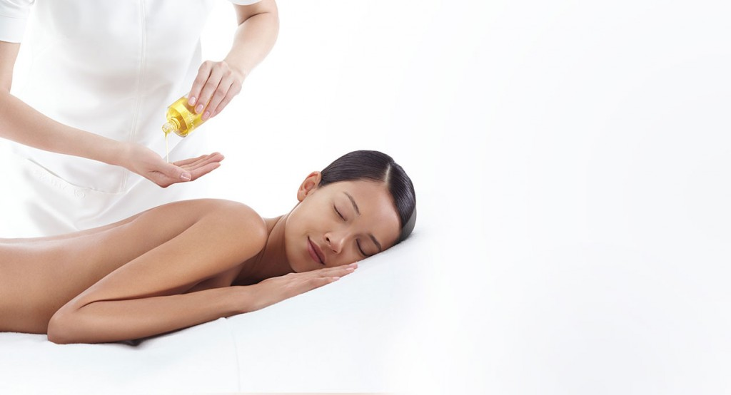 clarins-massage